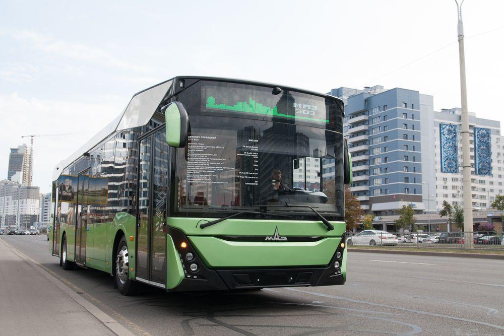 МАЗ 303 признан автобусом года в России
